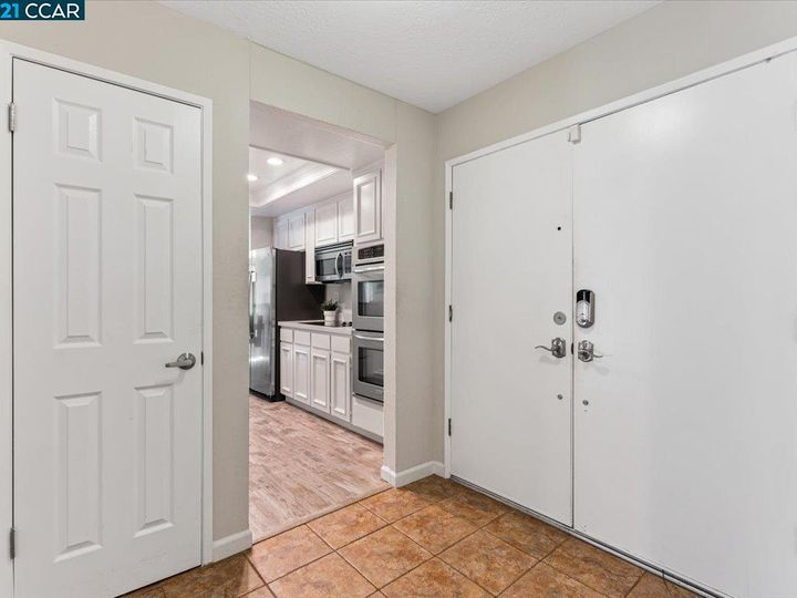 1411 Ridgewood Dr Martinez CA Home. Photo 3 of 40