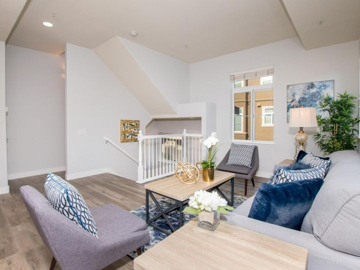 236 Russo Common Dr, San Jose, CA, 95127 Townhouse. Photo 5 of 32