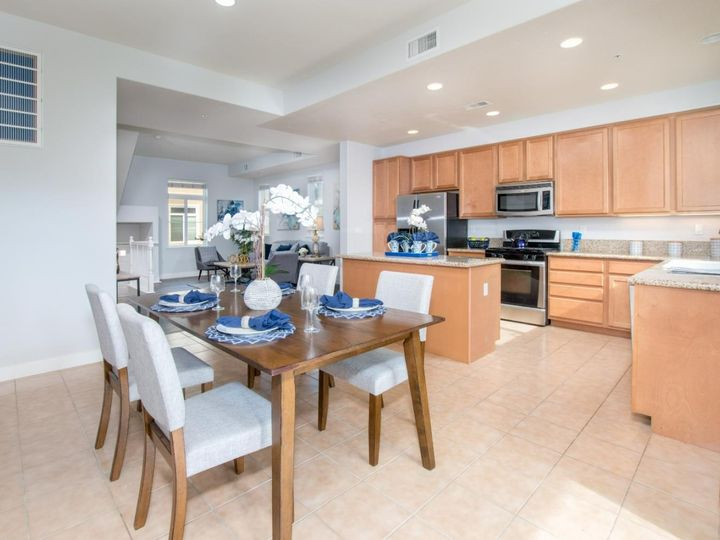 236 Russo Common Dr, San Jose, CA, 95127 Townhouse. Photo 8 of 32