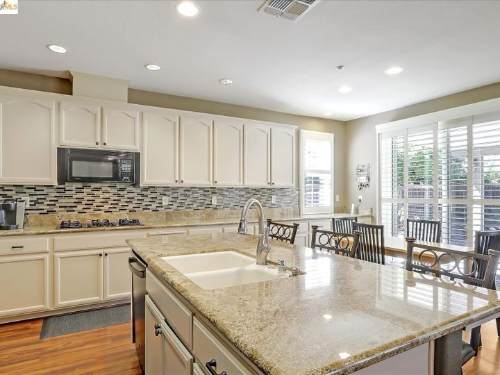 2745 Emory Oak Ct Brentwood CA Home. Photo 15 of 40