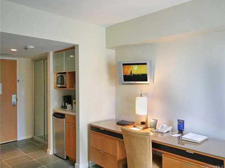 Ala Moana Hotel Condo condo #542. Photo 4 of 5