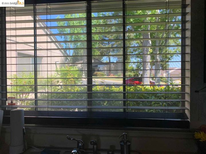 5 Selena Ct, Antioch, CA, 94509 Townhouse. Photo 14 of 20
