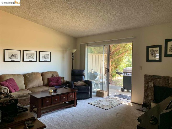 5 Selena Ct, Antioch, CA, 94509 Townhouse. Photo 17 of 20