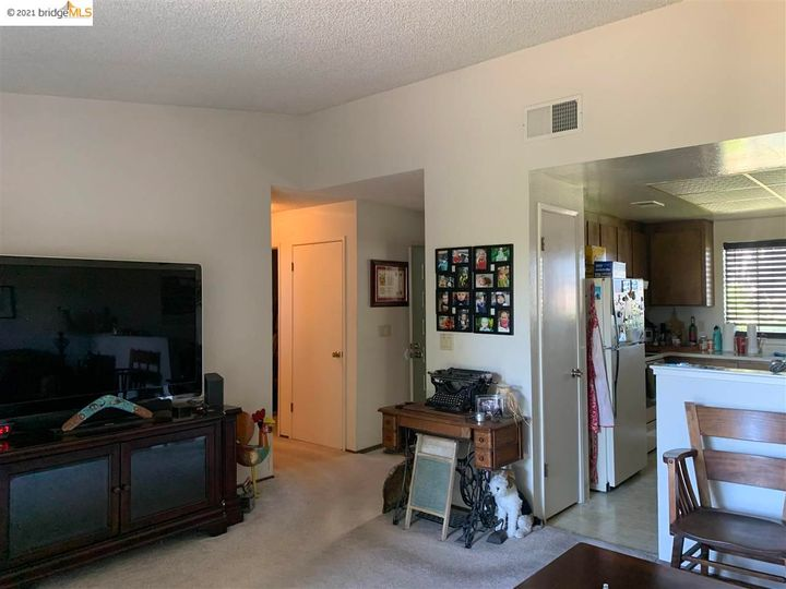 5 Selena Ct, Antioch, CA, 94509 Townhouse. Photo 18 of 20