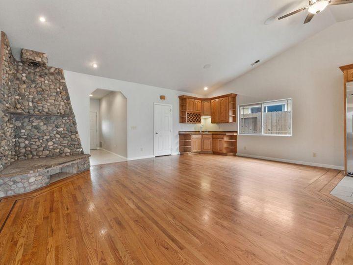 529 Terrace Ave Half Moon Bay CA Home. Photo 18 of 39