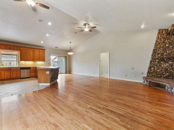 529 Terrace Ave Half Moon Bay CA Home. Photo 20 of 39