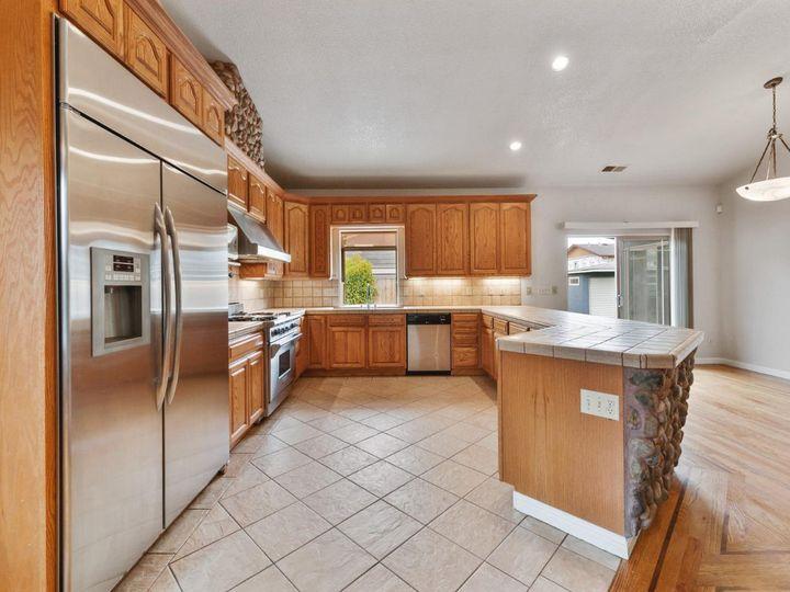 529 Terrace Ave Half Moon Bay CA Home. Photo 23 of 39