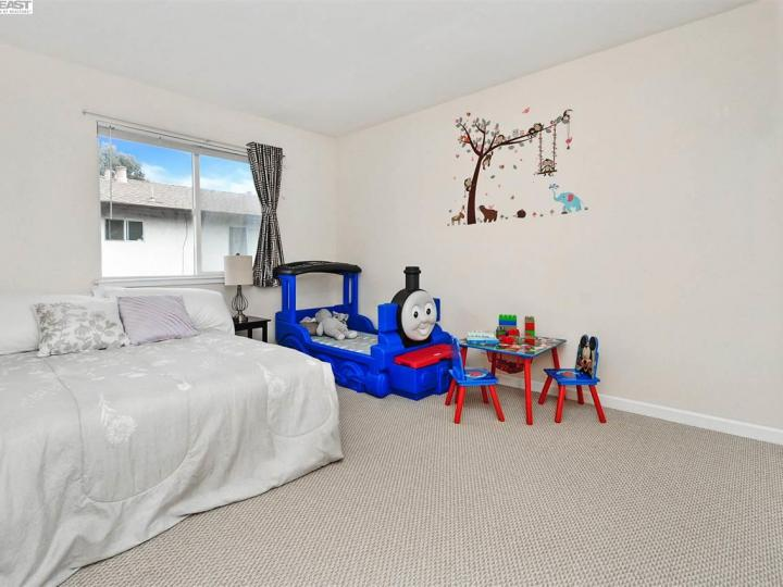 631 Foster Ct #2, Hayward, CA, 94544 Townhouse. Photo 12 of 20