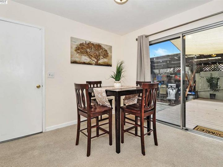 631 Foster Ct #2, Hayward, CA, 94544 Townhouse. Photo 6 of 20