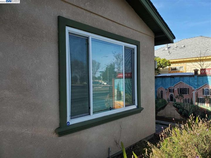6537 Thornton Ave Newark CA Home. Photo 14 of 36