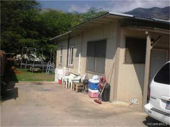 84-552B Farrington Hwy Waianae HI Home. Photo 3 of 3