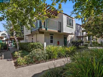 10 Bud Ct, Two Worlds, CA