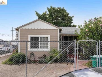 10627 Pippin St, Elmhurst, CA