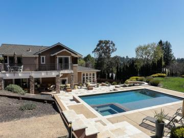 107 Reservoir Rd, Woodside, CA