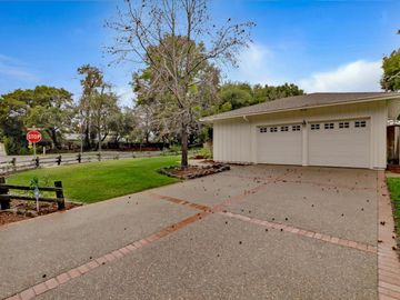 1385 Fremont Ave Los Altos CA Home. Photo 4 of 40