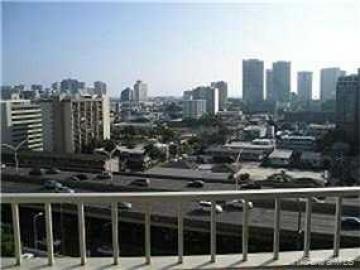 Rental 1400 Pensacola St, Honolulu, HI, 96822. Photo 1 of 4