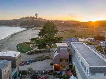 152 West Point Ave Half Moon Bay CA Home. Photo 5 of 40