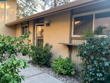 1524 Candelero Dr, Countrywood, CA