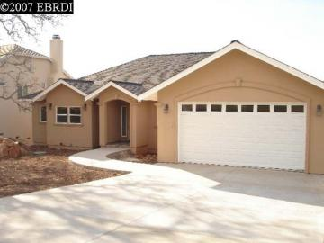 18177 North Shore Dr, Hidden Valley Lake, CA