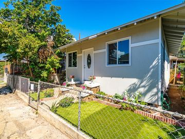 1833-A Akina St Honolulu HI Home. Photo 3 of 17