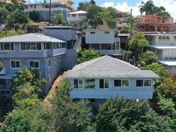 2164 Puna St, Kamehameha Heights, HI