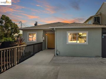 2635 E 25th St, Foothill, CA