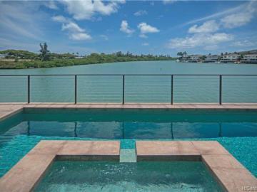 301 Ainahou St Honolulu HI Home. Photo 1 of 25
