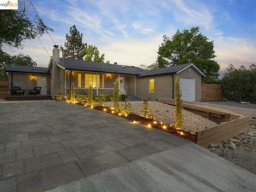 316 S 3rd Ave, Camelback North, CA