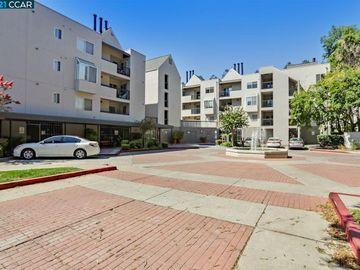 3183 Wayside Plz unit #205, Wayside Plaza, CA