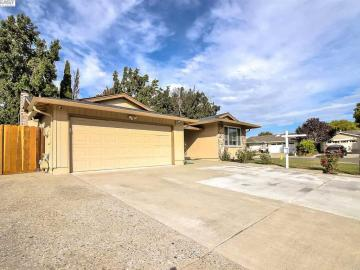 35035 Lilac Loop, Creekside, CA