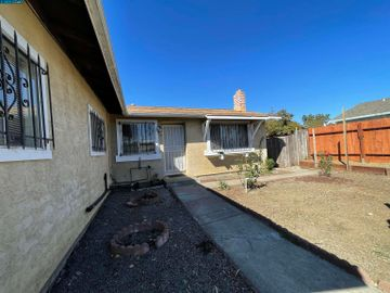 388 Linfield Dr, College Hills, CA