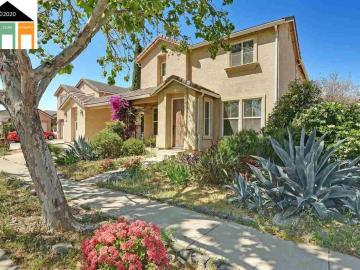 447 Henley Pkwy, Patterson, CA