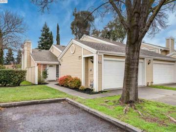 4693 Apple Tree Cmn, Heather Glen, CA