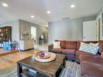 6044 Burnbank Pl San Jose CA Home. Photo 4 of 33