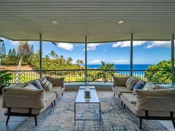 613 Moaniala St, Hawaii Loa Ridge, HI