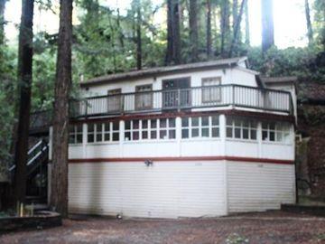 630 Lakeview Dr, Felton, CA