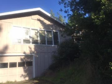 73 Cantle Ct, Shelter Cove, CA