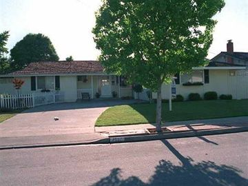 7527 Calle Verde Rd, Silvergate, CA