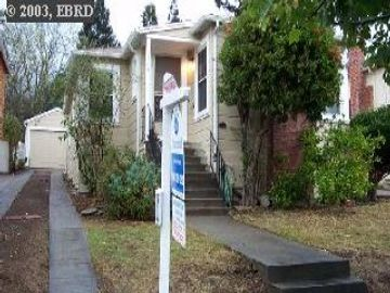 7594 Circle Hill Dr, Eastmont Hills, CA