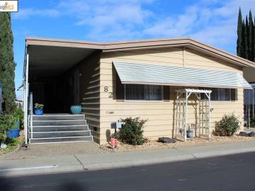 82 Creekside Dr, Antioch, CA