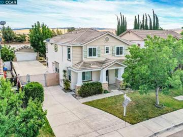 844 Twin Oaks Dr, Edgewood, CA