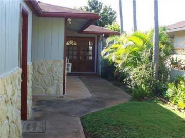94526 Kupuna Loop Waipahu HI Home. Photo 2 of 10