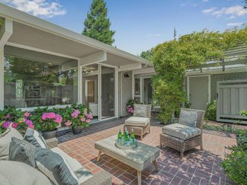 960 Trophy Dr, Mountain View, CA