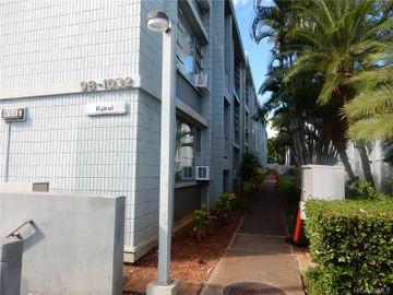 98-1032 Moanalua Rd unit #3-102, Pearlridge, HI